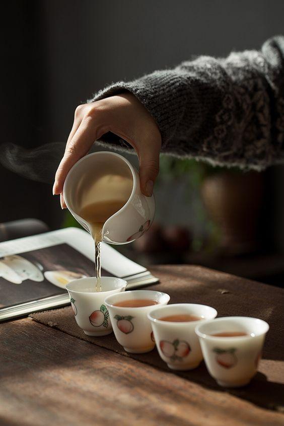 Tong su Thưởng trà chuyên nghiệp cần những dụng cụ gì?