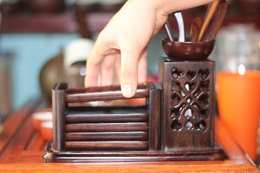 dung cu gap tra Thưởng trà chuyên nghiệp cần những dụng cụ gì?