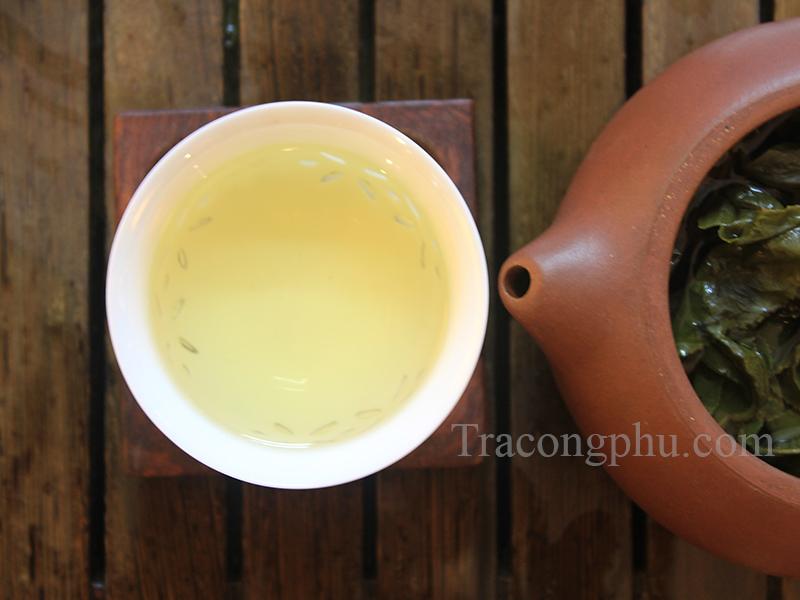 Tra20O20Long 1 Uống trà vào mùa xuân có lợi như thế nào
