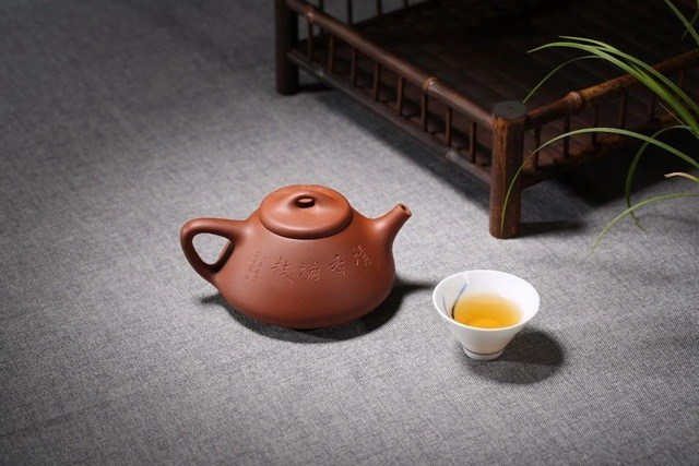hC3A3m phE1BB95 nhC4A9 bE1BAB1ng E1BAA5m trC3A0 tE1BBAD sa Ấm Tử Sa: Loại ấm tử sa nào phù hợp với loại trà nào?