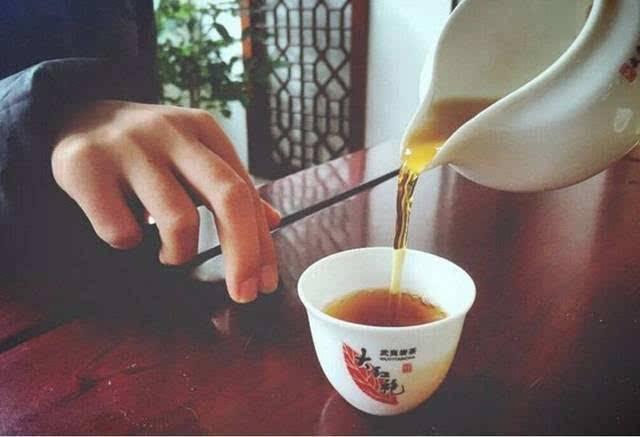 khE1BAA5u chE1BB89 lE1BB85 2 4 lễ tiết trà đạo có thể bạn chưa chú ý