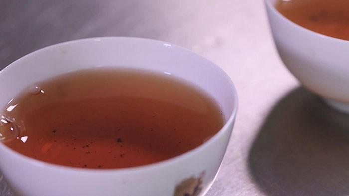 màu nước trà thiết quan âm trần hương