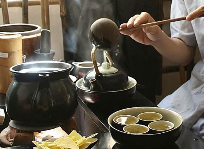 nghệ thuật thưởng trà bằng cả ngũ quan