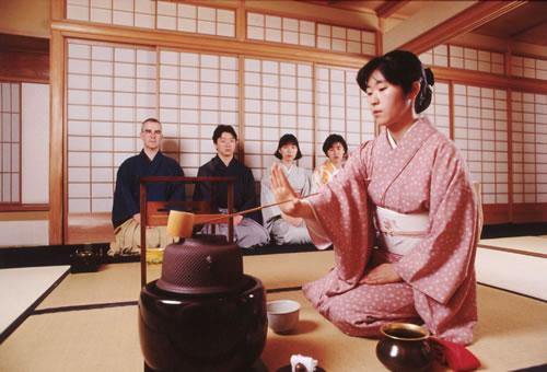 văn hóa và nghi lễ trà đạo Nhật Bản