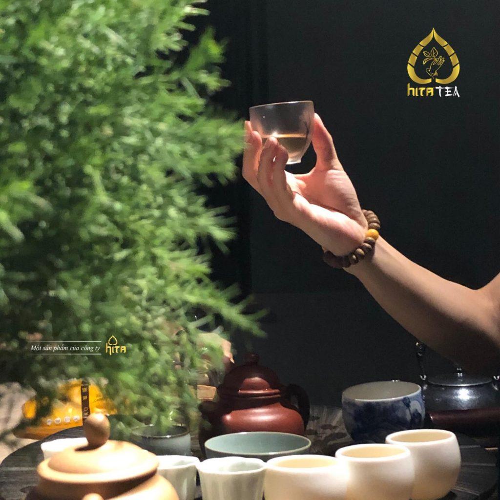 ô long Về Hita Tea